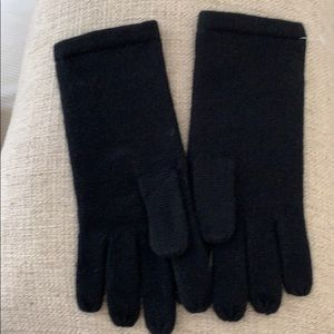 Accessories - ❤️NWOT❤️GORGEOUS ❤️100% CASHMERE GLOVES❤️